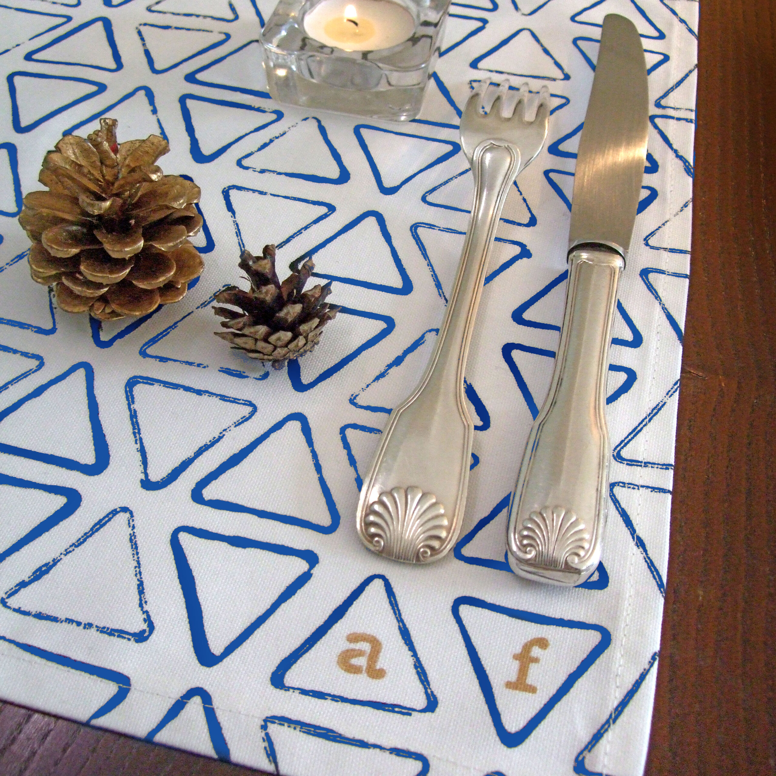 monogram placemats blue with 2 monograms